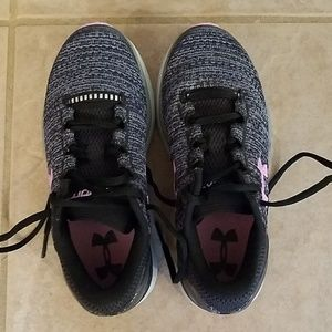 Girls Under Armour Sneakers never worn